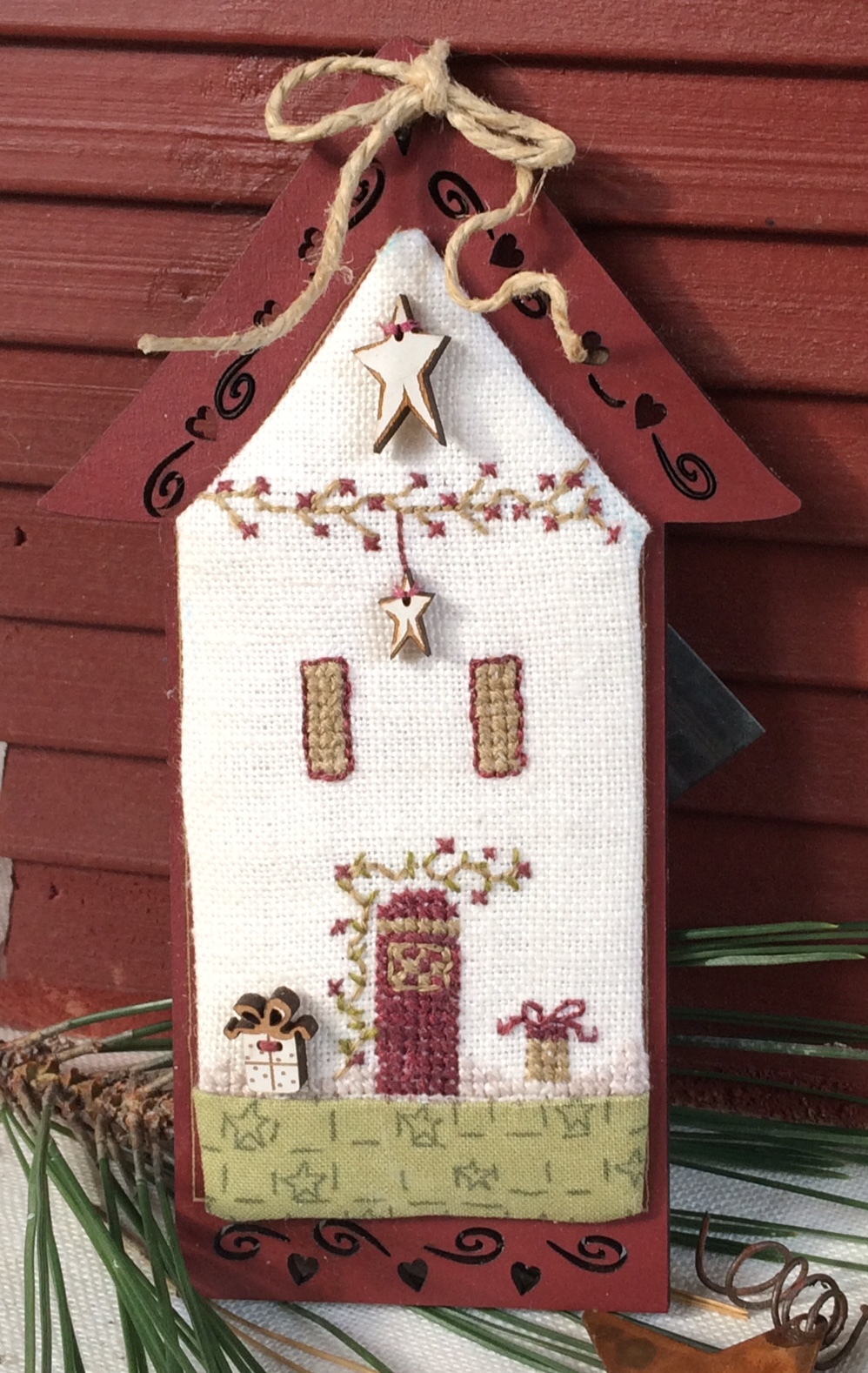 Crosstitch chart - Mini Christmas Stars house KMAIS