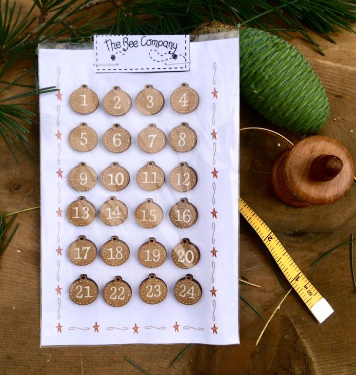 advent calendar Buttons - Christmas balls -  NO10