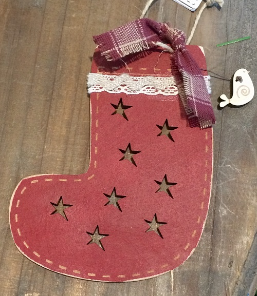 Christmas ornament - Rustic boot with bird & fabric- DNR8b