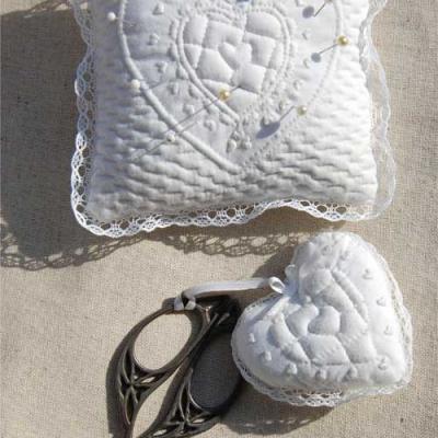 Kit of boutis Pin cushion & cissors cushion Kb1