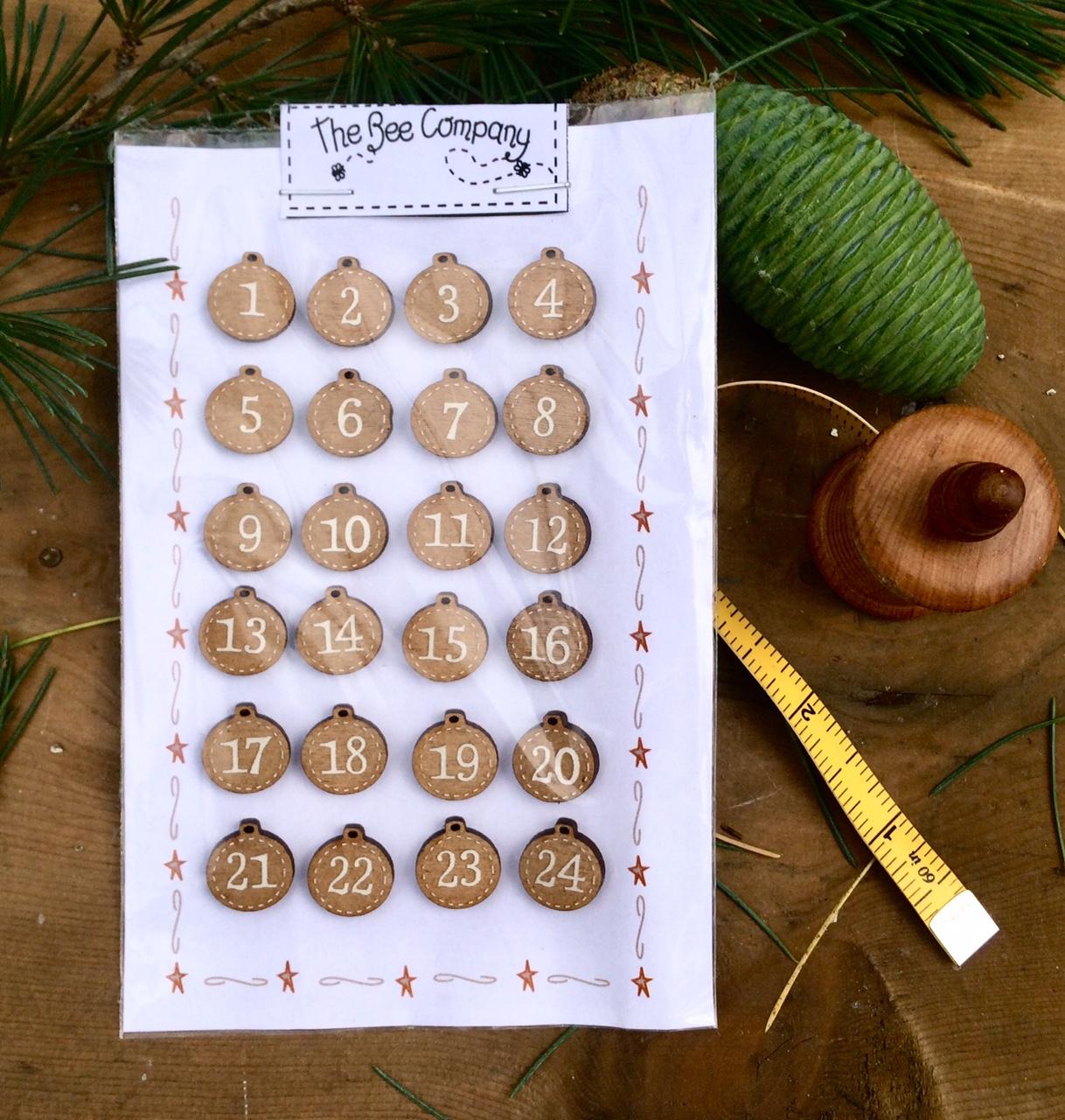 Calendrier de l'Avent - boutons boules Noël - NO10