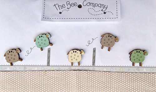 TB10M - Buttons 5 assorted sheep